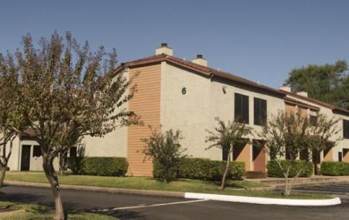 Bluff Springs Townhomes Photo 1