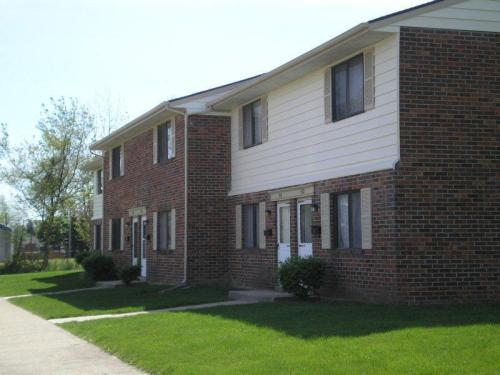 Greentree West Apartments Photo 1