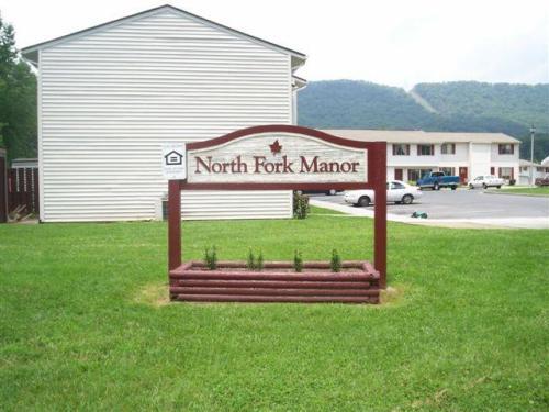 North Fork Manor Photo 1