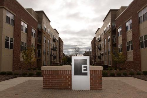 The Enclave Luxury Apartments Photo 1
