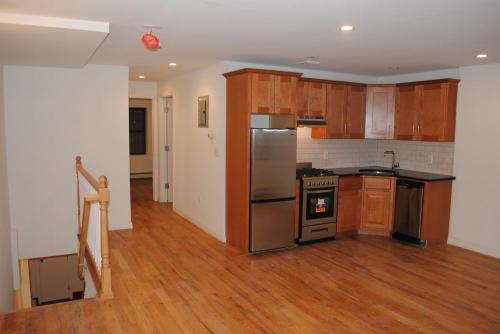 Newly Renovated Duplex*Laundry In Unit*Modern K... Photo 1
