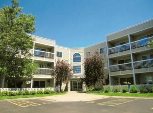 River Ridge Apartments Photo 1