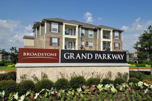 Broadstone Grand Parkway Photo 1