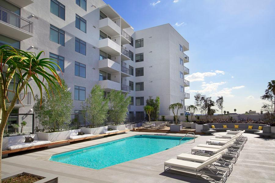 The Avenue Hollywood At 1619 N La Brea Avenue, Los Angeles, CA 90028 |  HotPads