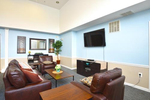 Glen Burnie Town Apartments Photo 1