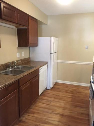 Merriwood Apartments Photo 1