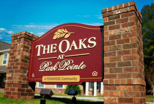 The Oaks at Park Pointe Photo 1