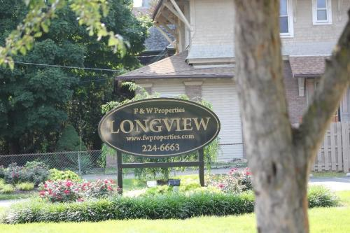 Longview Apartments Photo 1