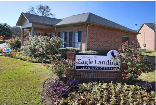 Eagle Landing Apartments Photo 1