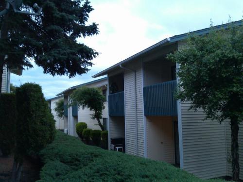 Silverwood Park Apartments Photo 1