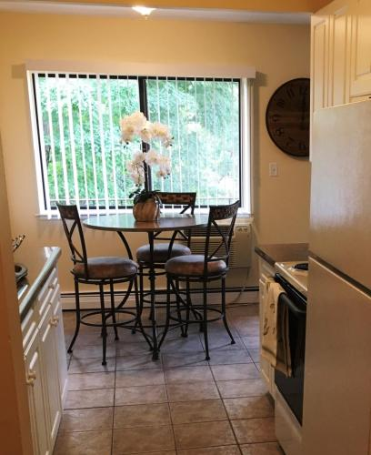 Apartments for Rent in Naugatuck  CT   From  725 a month   HotPads. 2 Bedroom Rentals In Ct. Home Design Ideas