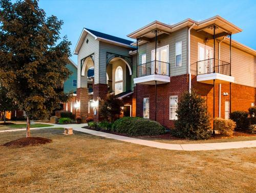 CEV Tuscaloosa Student Housing Photo 1