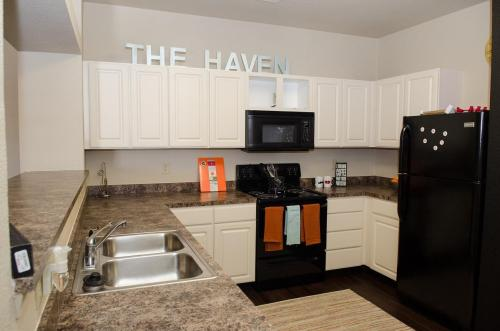The Haven - Premier Student Living Photo 1