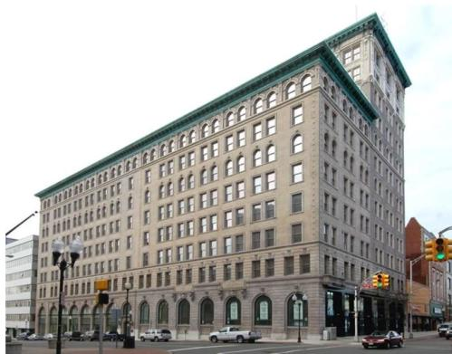 Broad Street Bank Apartments Photo 1