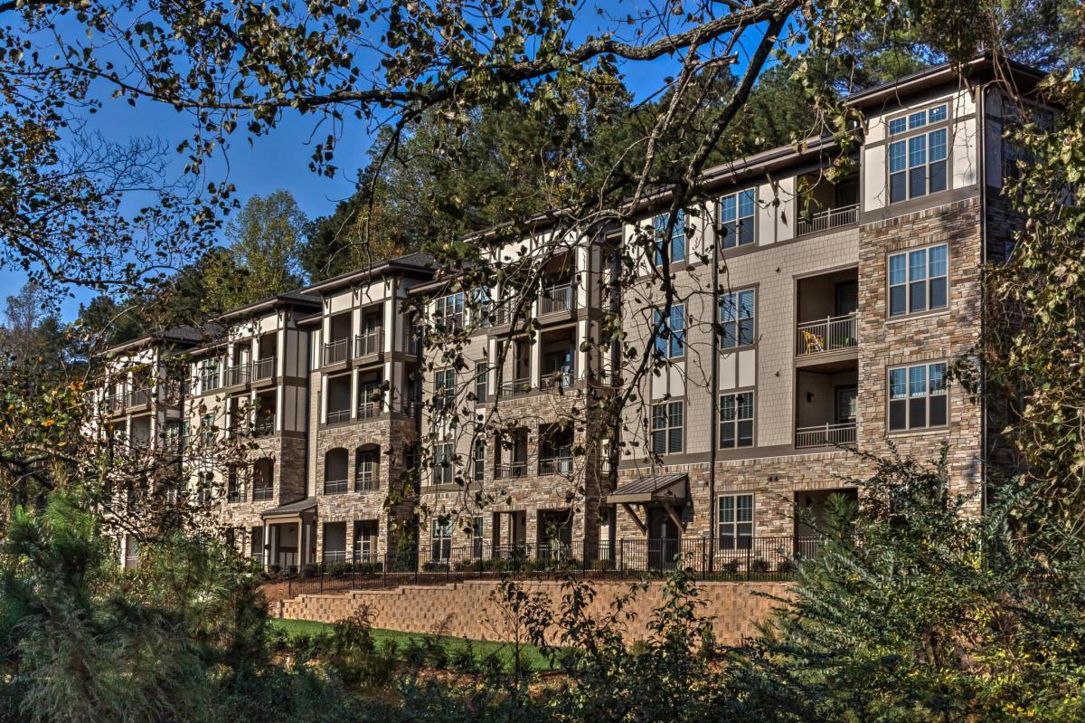Sojourn Lake Boone Apartment Homes At 3600 Horton Street