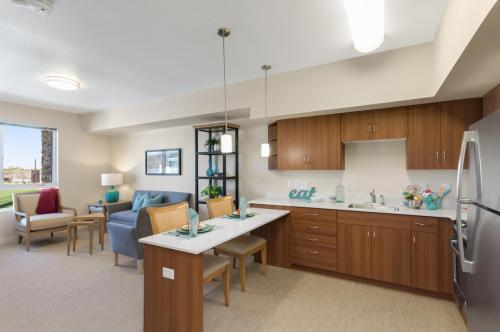 Merrill Gardens at Anthem - Senior Living Photo 1