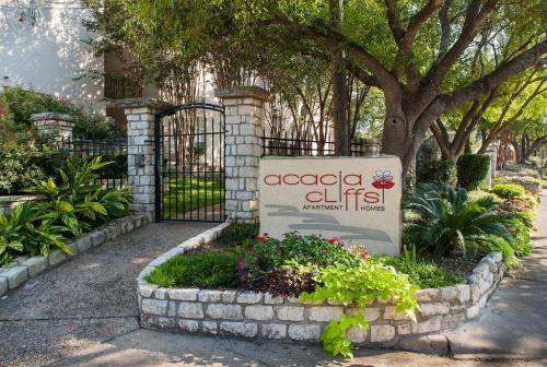 Acacia Cliffs Apartments Photo 1