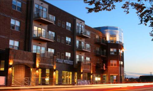 Six Points Apartments Photo 1