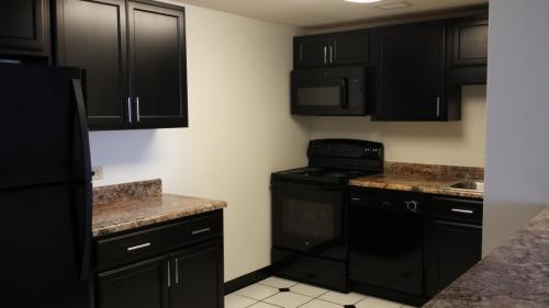 Lincoln Tower Apartments Photo 1
