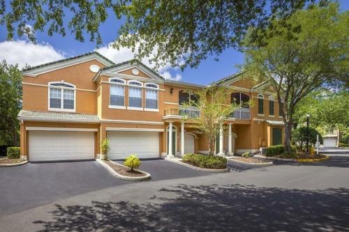 The Hamptons at Tampa Palms Photo 1