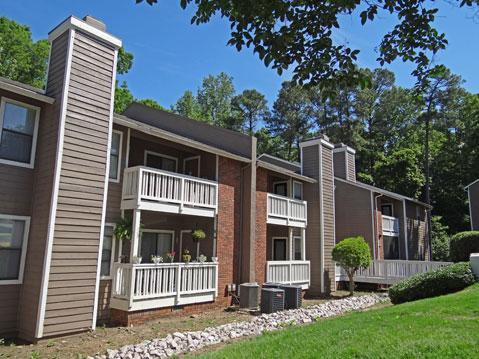 Lynn Lake Apartments Photo 1