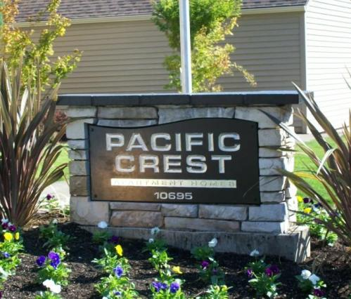 Pacific Crest Apartment Homes Photo 1