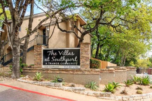 Villas at Southport Photo 1