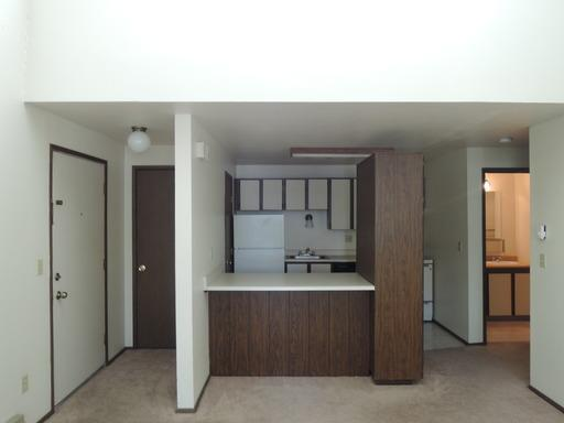 Mountain View Plaza Apartments at 2460 NW Rolling Green Drive ...