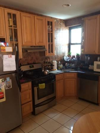 Amazing two bedroom with laundry in building Photo 1