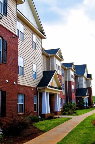 Mustang Village - Student Housing Photo 1