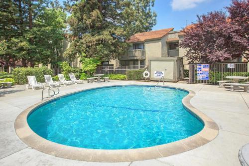 Cedar Springs Apartments Photo 1