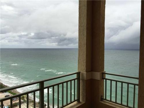 2080 S Ocean Drive Photo 1