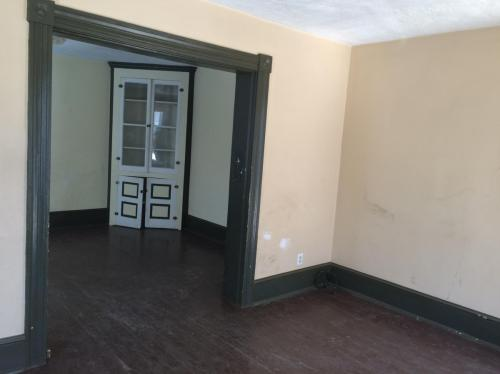Available now! 3 - 5 bedrooms, a lot of space Photo 1