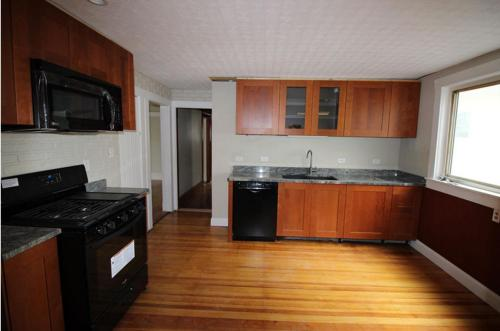 83 Conwell Ave Photo 1