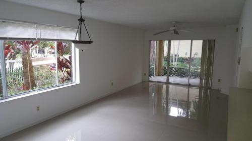 Lovely 2/2 Condo for Rent Photo 1
