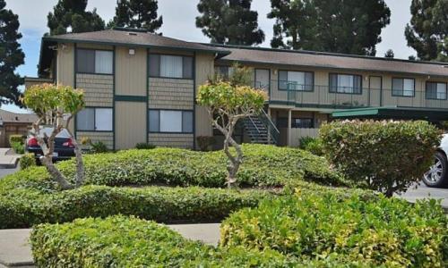 Woodside Park Apartment Homes Photo 1