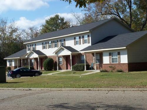 Pecan Lane Apartments Photo 1