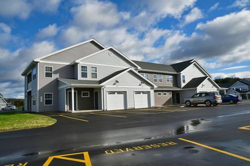 Hickory Grove Apartments Photo 1