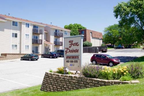 Fox Point Apartments Photo 1