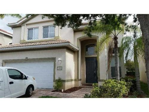 Beautiful Spacious 3/2.5 Home for Rent Photo 1
