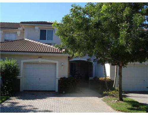 Lovely 3/2.5 Townhouse for Rent Photo 1