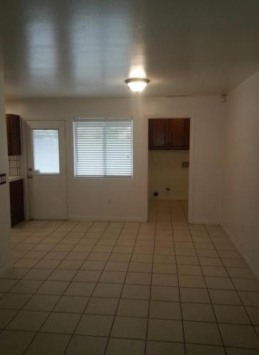 Newer Home with tons of space Photo 1