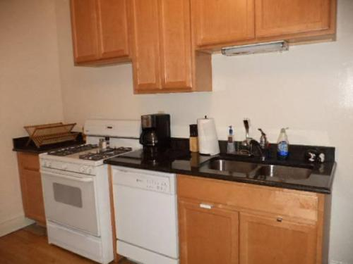 3635 N Wolcott Ave 1 Photo 1