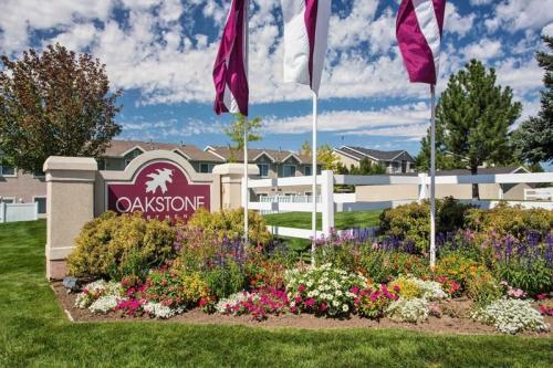 Oakstone & Country Oaks Apartments Photo 1
