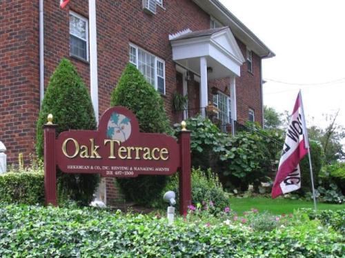 Oak Terrace Photo 1