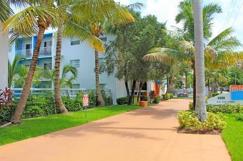 Miami Airport Villas Photo 1