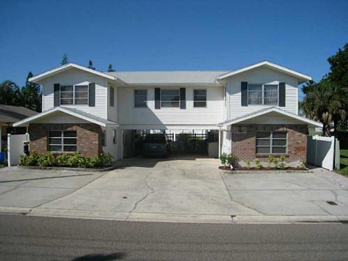 14156 N Bayshore Drive Photo 1
