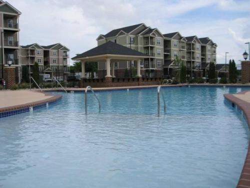 Meridian Harbourview is waiting to welcome you today! Photo 1