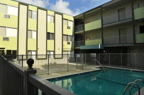 Mardigras Apartments Photo 1