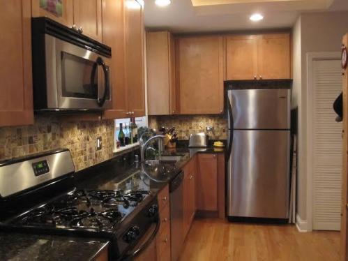 6912 N Lakewood Avenue #2W Photo 1